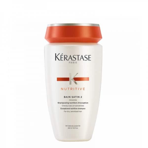 Kerastase Bain Satin 2 Shampoo Nutriente Kerastase NUTRITIVE - Bain Satin 2 è uno shampo nutriente, creato specificamente per capelli secchi e sensibilizzati. La formula nutriente deterge delicatamente i capelli e lascia un leggero velo di Irisome Complex per trattenere i nutrienti sulla fibra capillare. Il districamento è più semplice e la mano sente un tocco leggero. Le dita scorrono facilmente nel capello, senza incontrare resistenza.