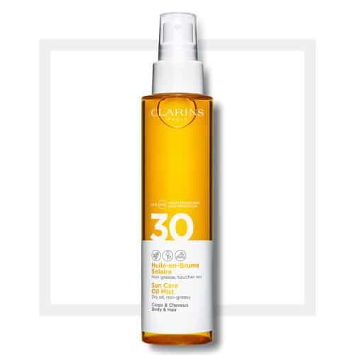Clarins Olio Solare Corpo e Capelli Spf 30 Clarins Pelle e capelli perfettamente idratati. L'olio secco solare corpo e capelli spray per assicurare una diffusione ultra-fine della texture.