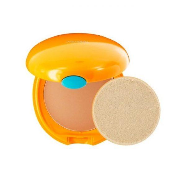 """Shiseido Tanning Fondotinta Compatto Spf 6 Shiseido <h5><span class=""""shortDescPart1"""">La prima crema con protezione UV che rinforza l'effetto protettivo quando viene</span><span class=""""shortDescPart2"""">esposta a calore esterno, acqua e sudore, restando completamente invisibile sulla pelle. SPF50+ 50ml.</span></h5> <h5></h5>"""