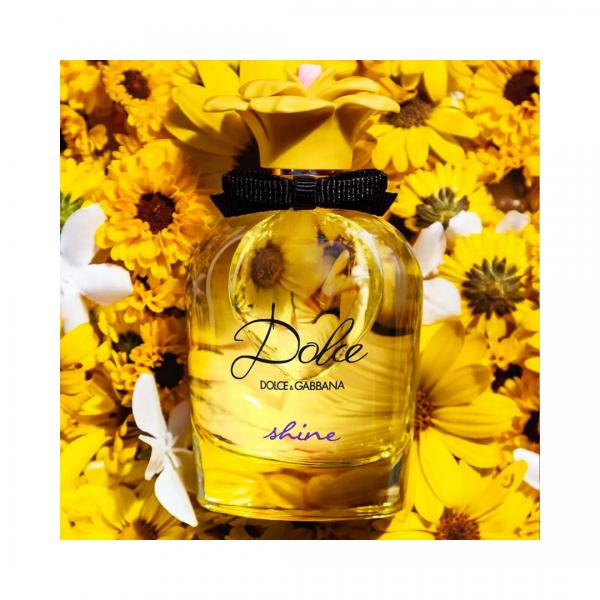 Dolce & Gabbana Dolce Shine Eau De Parfum Dolce & Gabbana <strong>Dolce Shine Eau de Parfum</strong>, una fragranza floreale fruttata, solare e irresistibilmente fresca di Dolce & Gabbana